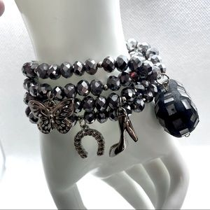 NWOT 7 Little Something Black Glass Charm Bracelet